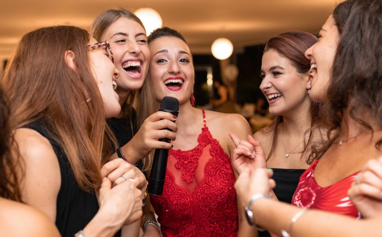 Bring yourself for an exciting hen party at any of the singing experience nationwide venues