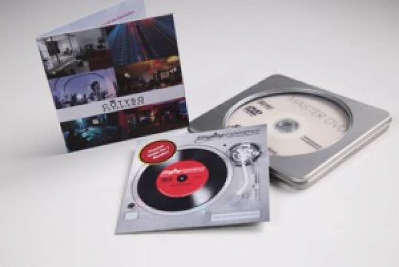 Purchase a beatiful tin to gift someone a singing or recording experience voucher